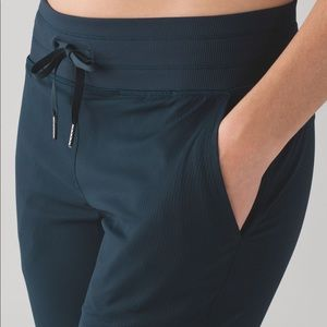 Lululemon blue studio crop pants